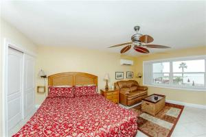 #226 At Surf Song Resort, Apartmány  St Pete Beach - big - 2