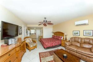 #226 At Surf Song Resort, Apartmány  St Pete Beach - big - 1