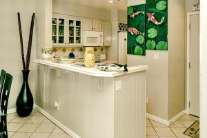 Beach Manor @ Tops'L - 1004, Apartments  Destin - big - 4