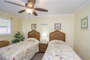 #228 At Surf Song Resort, Apartments  St Pete Beach - big - 16