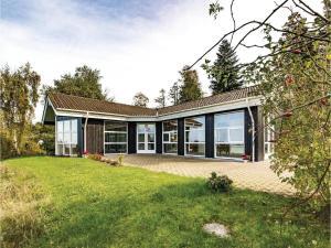 Two-Bedroom Holiday Home in Farevejle, Case vacanze  Fårevejle - big - 5