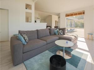 Two-Bedroom Holiday Home in Farevejle, Case vacanze  Fårevejle - big - 2