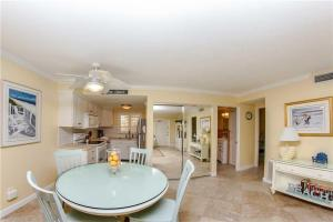 #224 At Surf Song Resort, Apartmány  St Pete Beach - big - 15