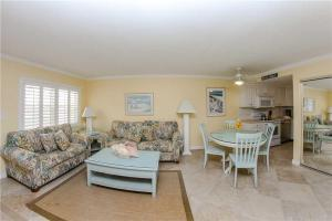 #224 At Surf Song Resort, Apartmány  St Pete Beach - big - 17