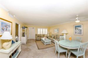 #224 At Surf Song Resort, Apartmány  St Pete Beach - big - 5
