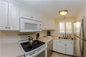#224 At Surf Song Resort, Apartmány  St Pete Beach - big - 21