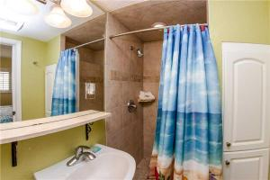 #224 At Surf Song Resort, Apartmány  St Pete Beach - big - 23