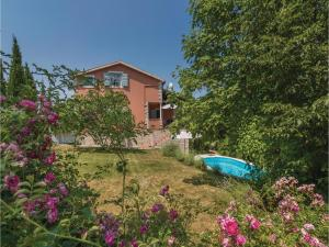 Three-Bedroom Holiday Home in Tinjan, Case vacanze  Tinjan - big - 5