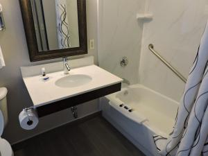 Double Room with Two Double Beds - Mobility Accessible/Non-Smoking
