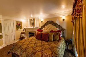 Junior Suite with Balcony - Romeo & Juliet