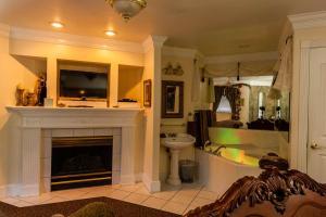 Suite with Spa Bath - Palace Royale