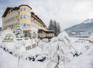 Park Hotel Bellevue, Hotely  Dobbiaco - big - 29
