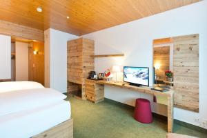 Hotel Bernerhof Grindelwald, Hotel  Grindelwald - big - 33
