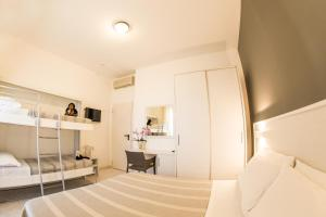 Ambra Hotel Cattolica - AbcAlberghi.com