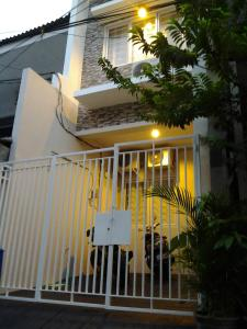 Lis House near Central Park, Pensionen  Jakarta - big - 23