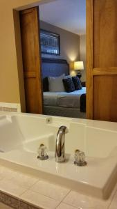 The Lodge at Leathem Smith, Resorts  Sturgeon Bay - big - 26
