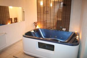 Korina Sky Hotel, Hotely  Bansko - big - 29