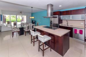 Ocean View Mareazul Condo Rental with Infinity Pool - Condo Agua Dulce, Appartamenti  Playa del Carmen - big - 24