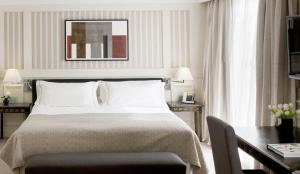 Deluxe Double or Twin Room with Landmark View