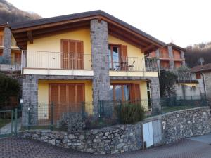 Villa Orchidea With Pool, Ville  Varenna - big - 38