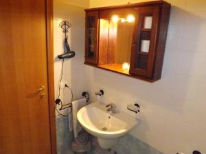 Villa Orchidea With Pool, Ville  Varenna - big - 11