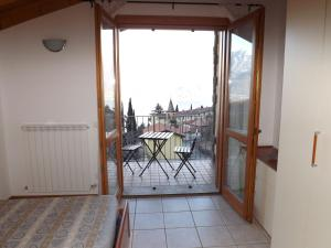 Villa Orchidea With Pool, Ville  Varenna - big - 21
