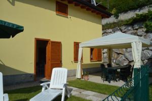 Villa Orchidea With Pool, Ville  Varenna - big - 16