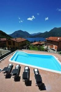 Villa Orchidea With Pool, Ville  Varenna - big - 13