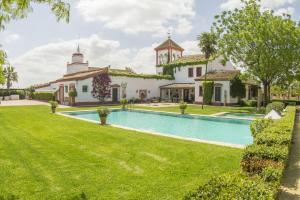 Hacienda de Orán, Hotely  Los Palacios y Villafranca - big - 1