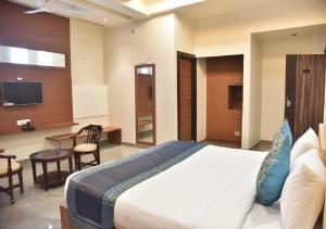 HOTEL RK GRAND