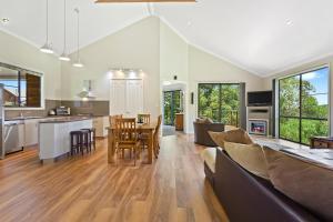 Ravensbourne Escape- Rose Alyce, Holiday homes  Ravensbourne - big - 2