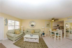 #225 At Surf Song Resort, Apartmány  St Pete Beach - big - 15