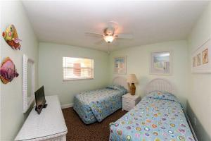 #225 At Surf Song Resort, Apartmány  St Pete Beach - big - 13