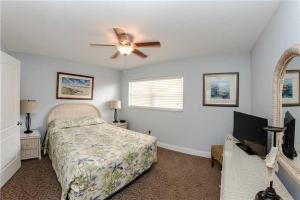 #225 At Surf Song Resort, Apartments  St Pete Beach - big - 7