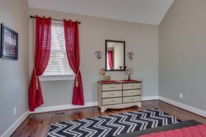 Arts and Crafts Home with Nashville Style, Ferienhäuser  Nashville - big - 19