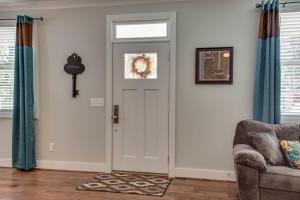 Arts and Crafts Home with Nashville Style, Ferienhäuser  Nashville - big - 12