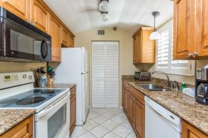 Beach Club 421 Apartment, Apartmány  Saint Simons Island - big - 21