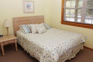 Stowe-Aways Home, Holiday homes  Corolla - big - 17