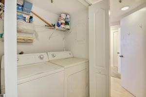 Trillium #5B Condo, Apartments  St Pete Beach - big - 12