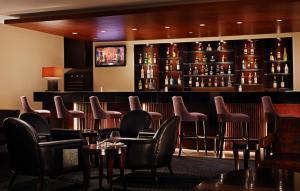 Joy~Nostalg Hotel & Suites Manila Managed by AccorHotels, Апарт-отели  Манила - big - 20