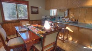 Dory Lakes Cabin, Holiday homes  Black Hawk - big - 26
