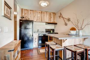 4 O'Clock Haven Condo - Apartment - Breckenridge