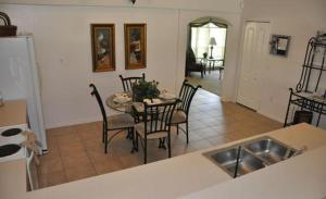 Grand Reserve House 937, Holiday homes  Davenport - big - 6