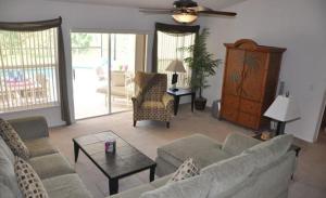 Grand Reserve House 937, Holiday homes  Davenport - big - 28