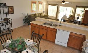 Grand Reserve House 937, Holiday homes  Davenport - big - 35