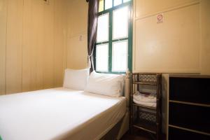 Double Room with Fan and Shared Bathroom