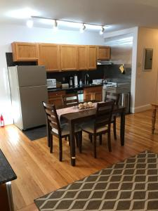 Beautiful 1 Bedroom Apt - 11, Apartmanok  Boston - big - 23