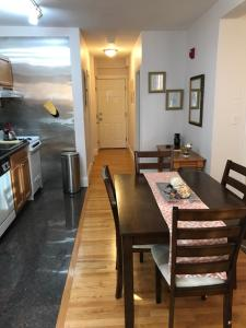 Beautiful 1 Bedroom Apt - 11, Apartmanok  Boston - big - 17