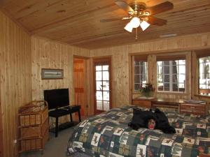 050 Mountain Getaway Home, Holiday homes  Big Bear Lake - big - 13