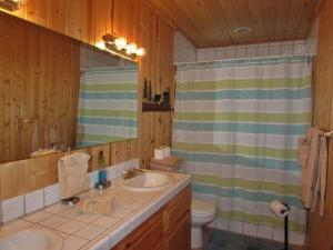 050 Mountain Getaway Home, Holiday homes  Big Bear Lake - big - 2